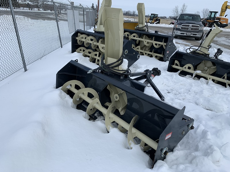2020 FARM KING YC8420G-4 SNOW BLOWER