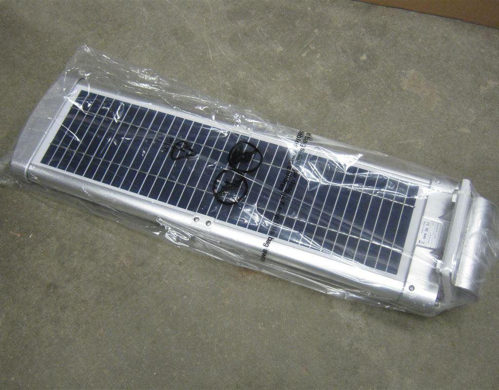 20W Solar Courtyard Light with Motion Sensor