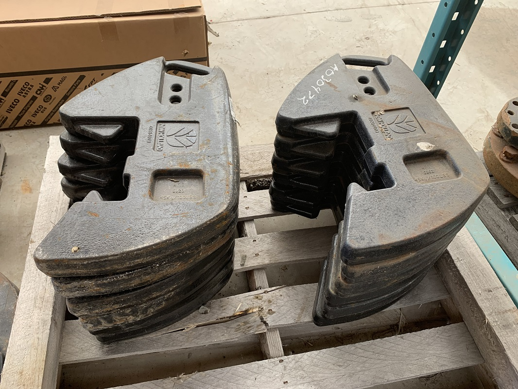 SET OF STEIGER OR T9 45KG TRACTOR WEIGHTS
