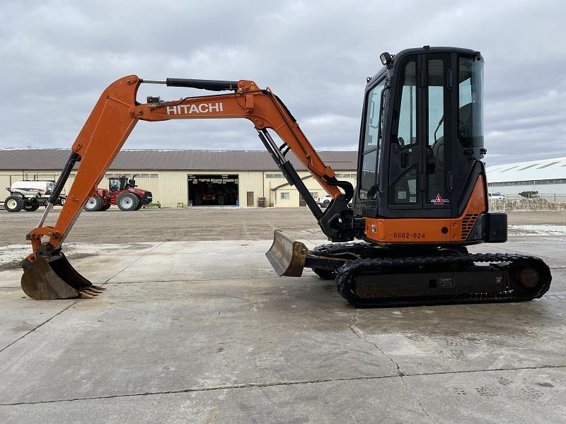 2012 HITACHI ZX35 MINI EXCAVATOR AND BUCKET