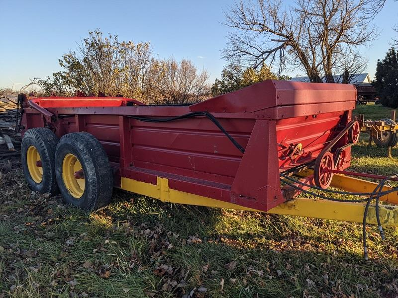 1985 NEW HOLLAND 791 MANURE SPREADER
