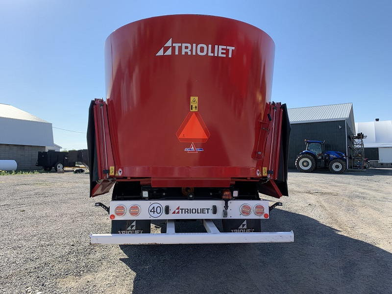 2019 TRIOLIET TRIOTRAC 2000VL TMR MIXER