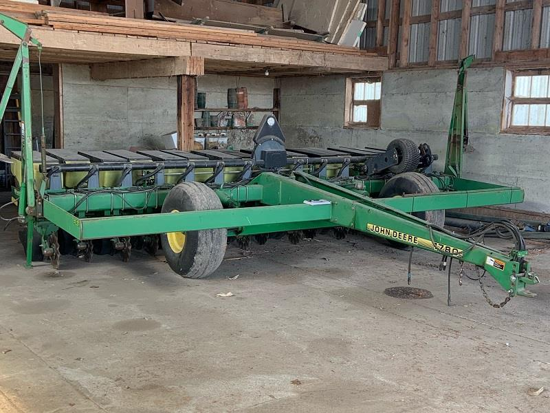 2002 JOHN DEERE 1780 MAX EMERGE PLUS PLANTER