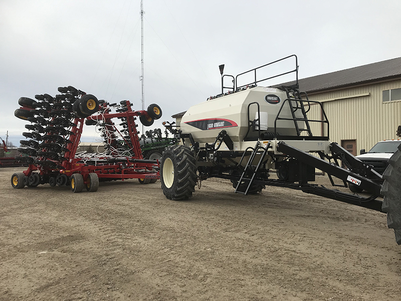 2021 BOURGAULT 3820-40 WITH L8350 AIR SEEDER