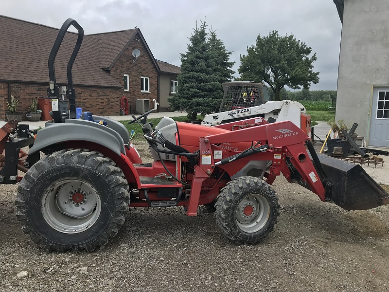 2006 MCCORMICK GX45 TRACTOR WITH LOADER