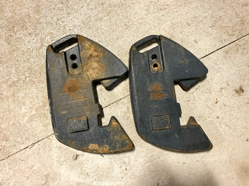 PAIR OF 2015 CASE IH 45 KG FRONT WEIGHTS