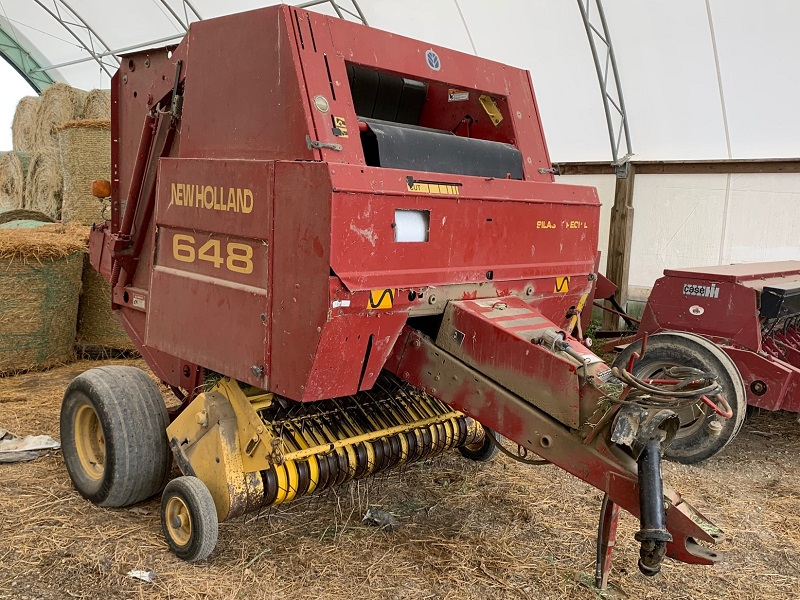 2000 NEW HOLLAND 648 SILAGE SPECIAL ROUND BALER