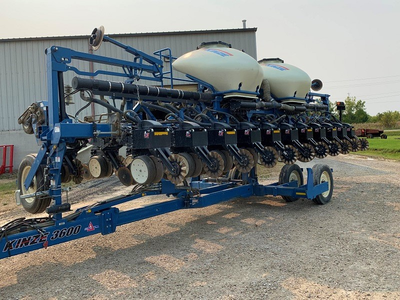 2012 KINZE 3600-12/23 ROW PLANTER
