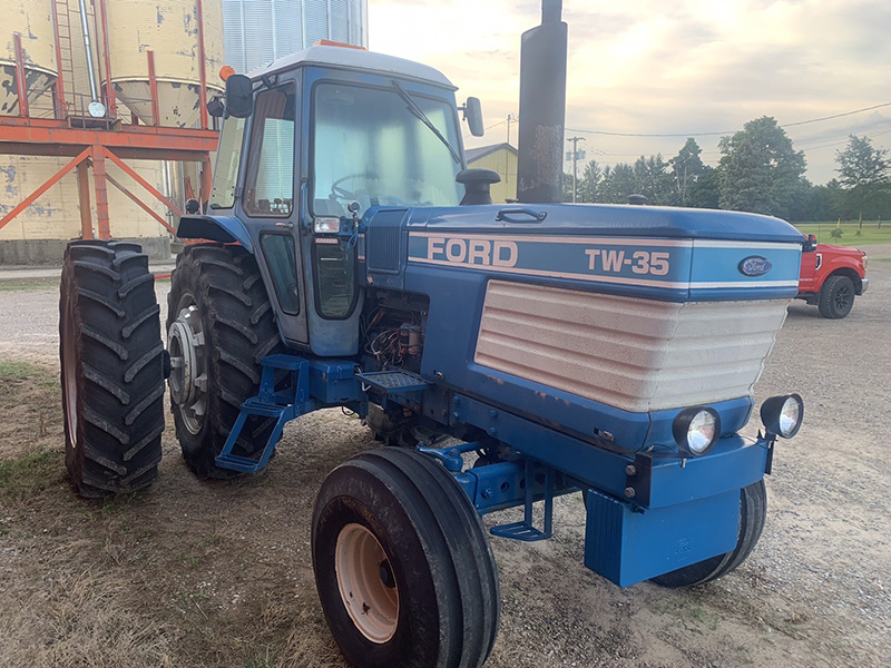 1984 FORD TW35 TRACTOR