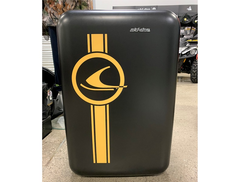 2020 SKI-DOO VINTAGE STYLE BAR FRIDGE
