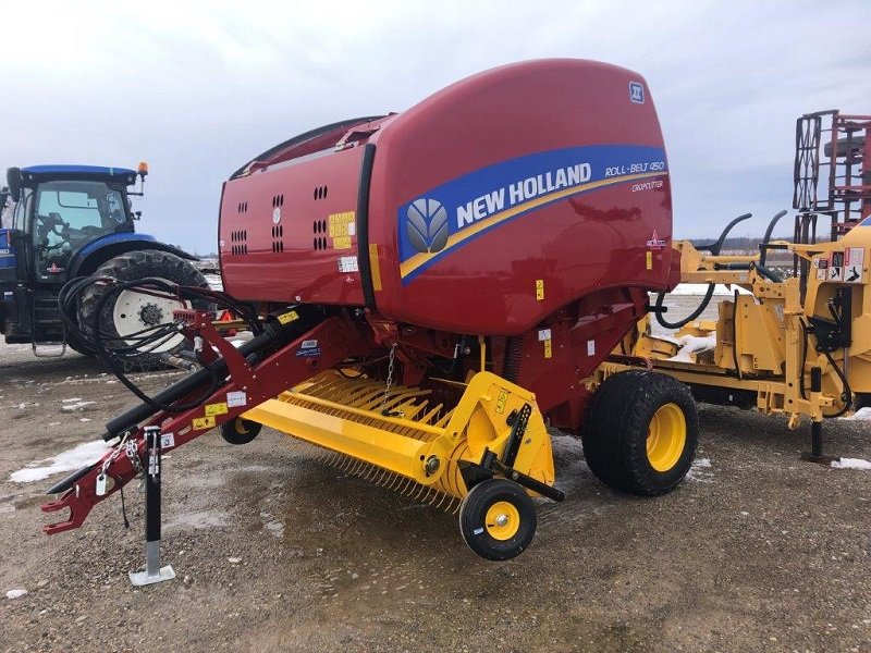 2021 NEW HOLLAND RB450 ROUND BALER