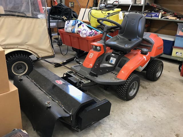 Husqvarna R322T AWD mower package