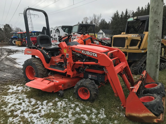 Kubota BX2200 sub compact tractor package
