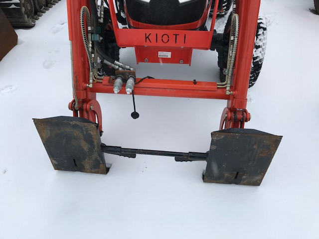 Kioti CK2510 HST tractor loader blower package