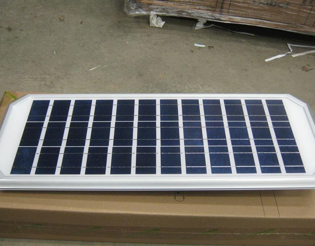 30 Watt Solar Courtyard Light