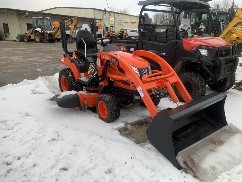 Kioti CS2210 Subcompact tractor