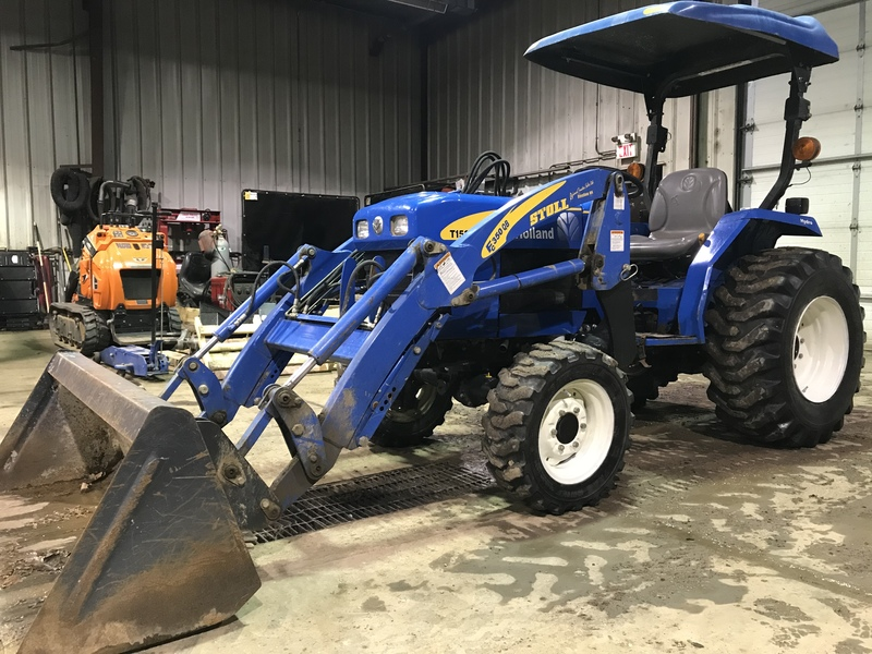New Holland T1520 compact loader tractor