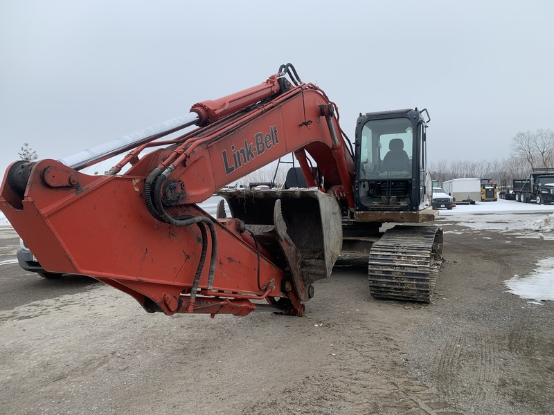 Link Belt 210 LX Excavator with hydraulic thumb