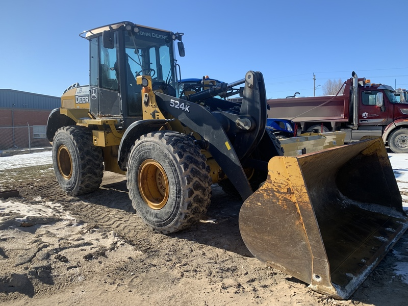 John Deere 524k Loader with forks and bucket