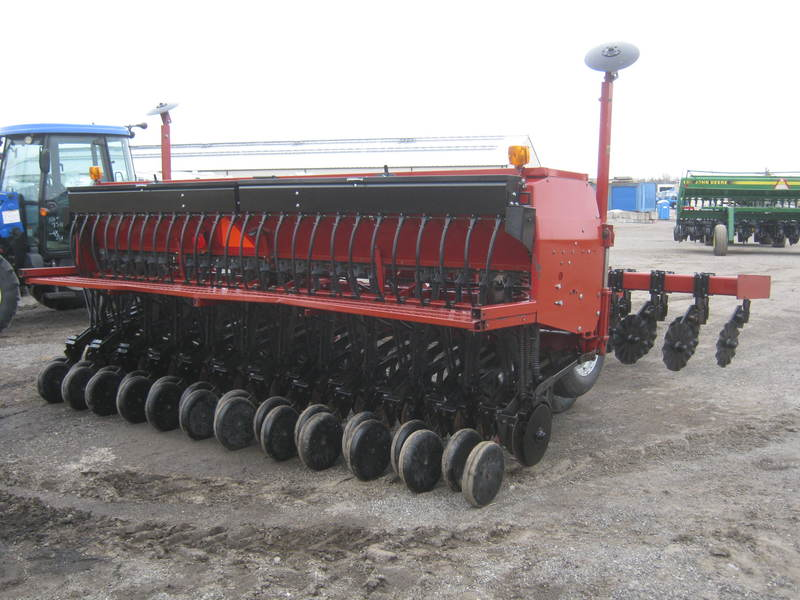 Planting Equipment  Case IH 5400 No-Till Drill Photo