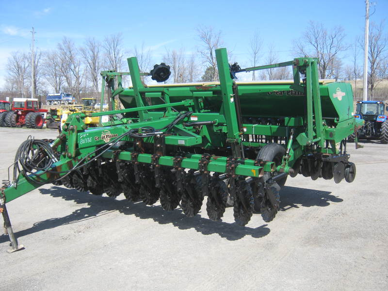 Planting Equipment  Great Plains 1500 No-Till Drill Photo
