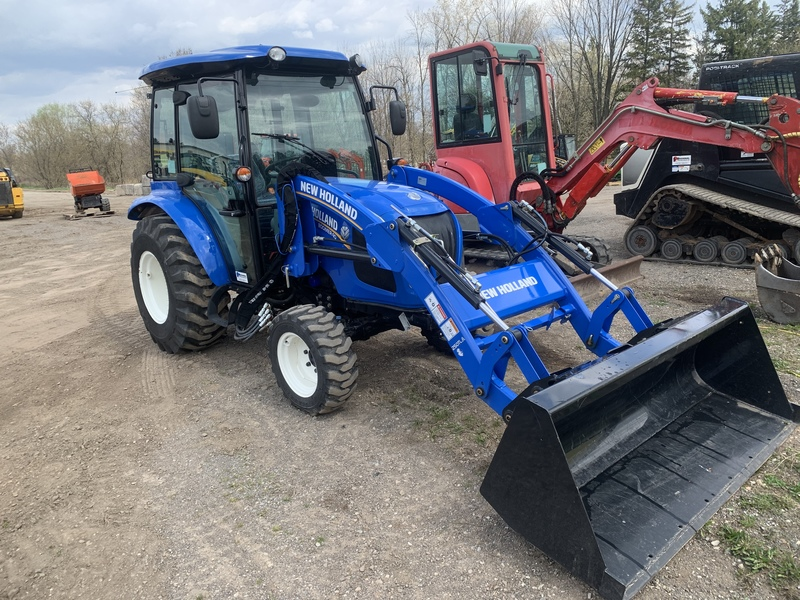 New Holland Boomer 40 Cab Loader Tractor
