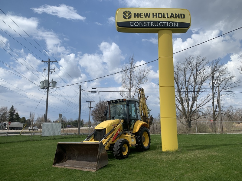 New Holland B95B Tractor Loader Backhoe