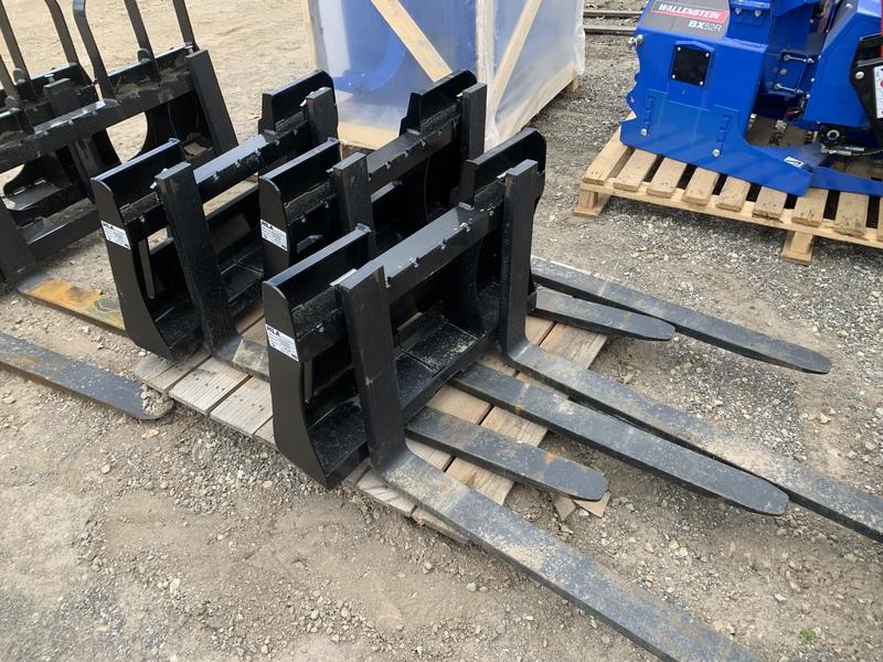 Pallet forks for mini skid steer