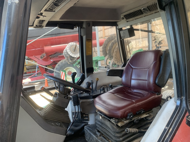Case IH Maxxum 5250 Tractor Loader