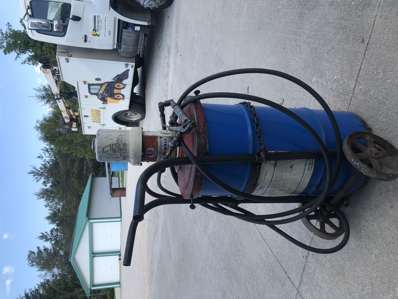 Graco Air Greaser with cart
