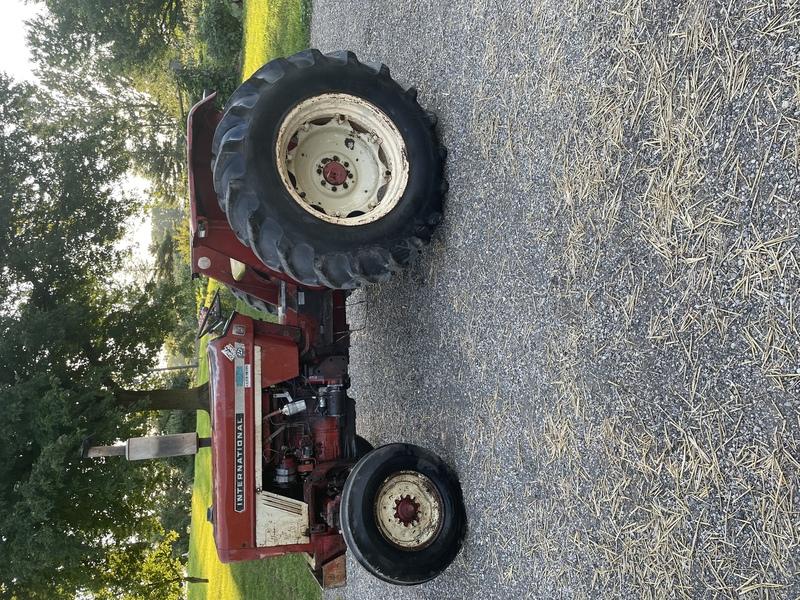 Case International 444 tractor