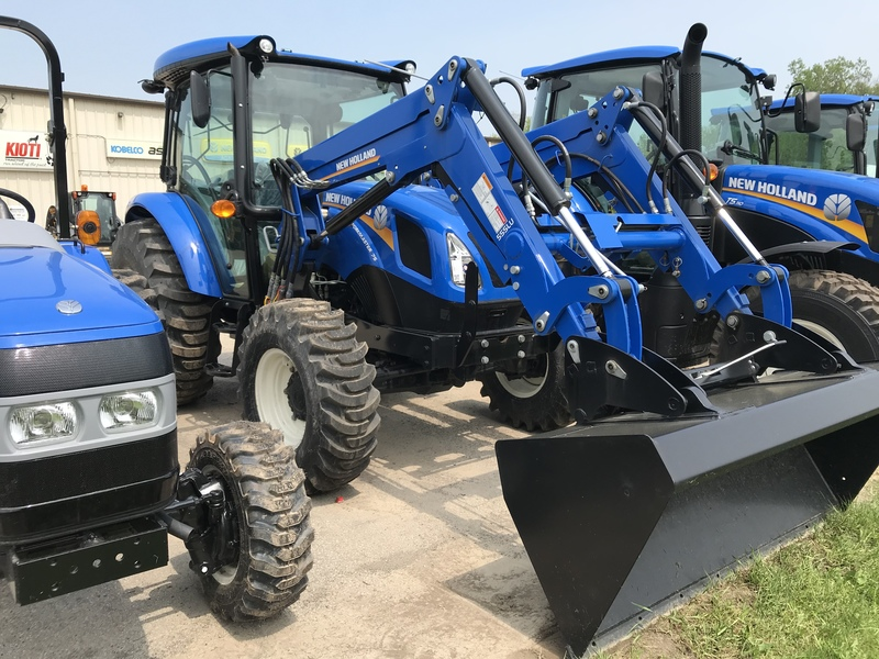 New Holland Workmaster 75 utility tractor