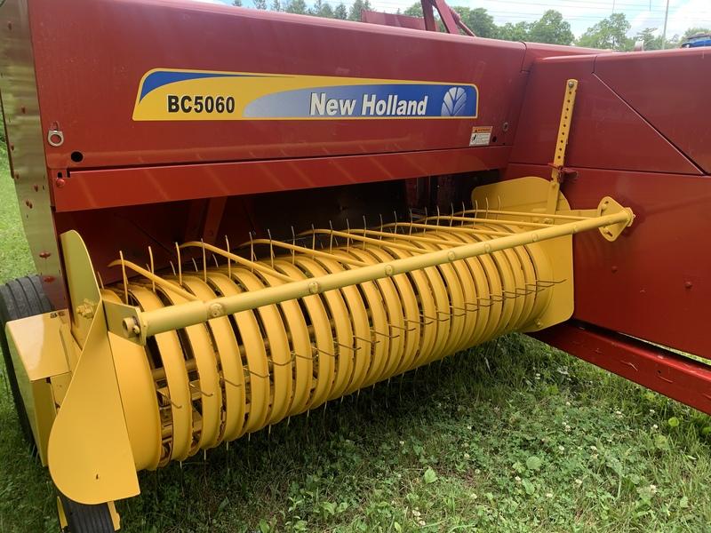New Holland BC5060 square baler