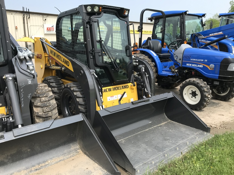 New Holland L213 skid steer