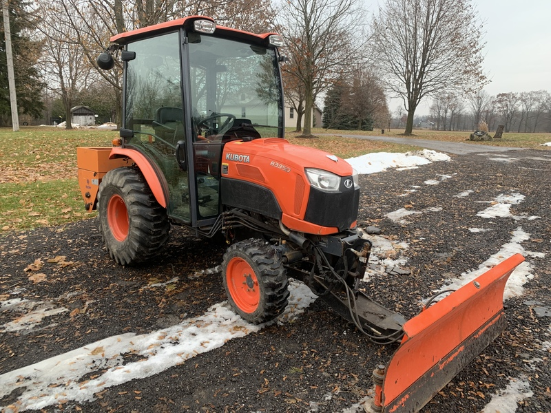 Kubota B3350 tractor with plow and salter