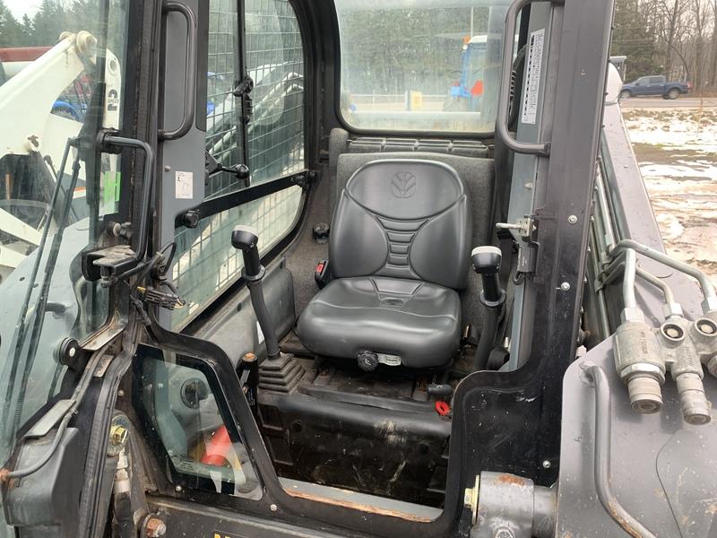 New Holland L225 skid steer for sale - 627hrs