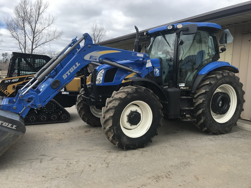 New Holland T6030 Plus tractor loader -440hrs only!